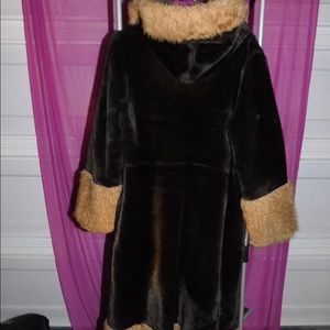 Jackets & Blazers - Vintage hooded faux fur two-toned coat size large